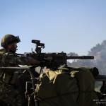 Fuzileiro do pelotão Anti-Carro dispara Lança Granadas Automático (HK GMG) de 40mm