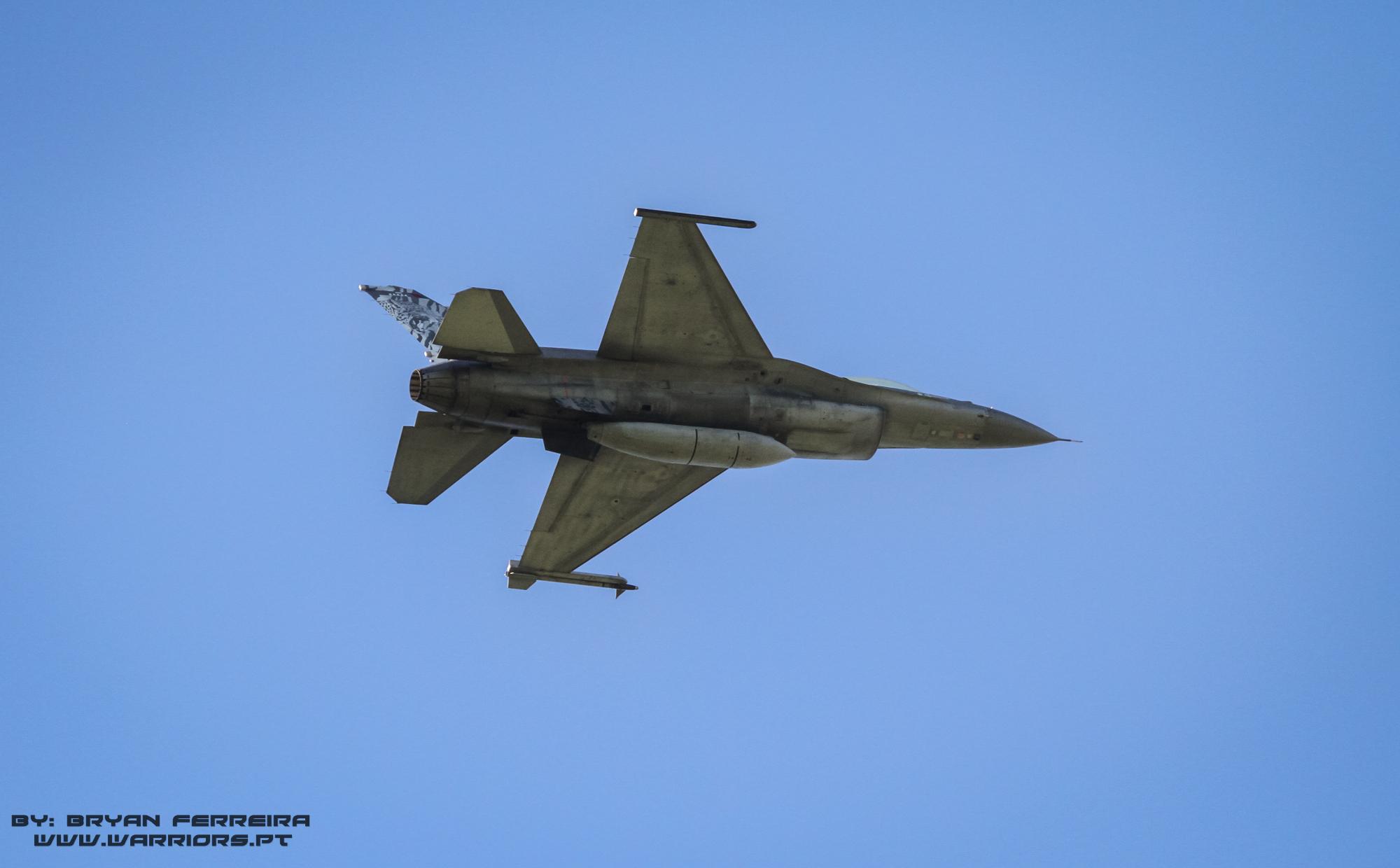F16 Português missão ar-ar