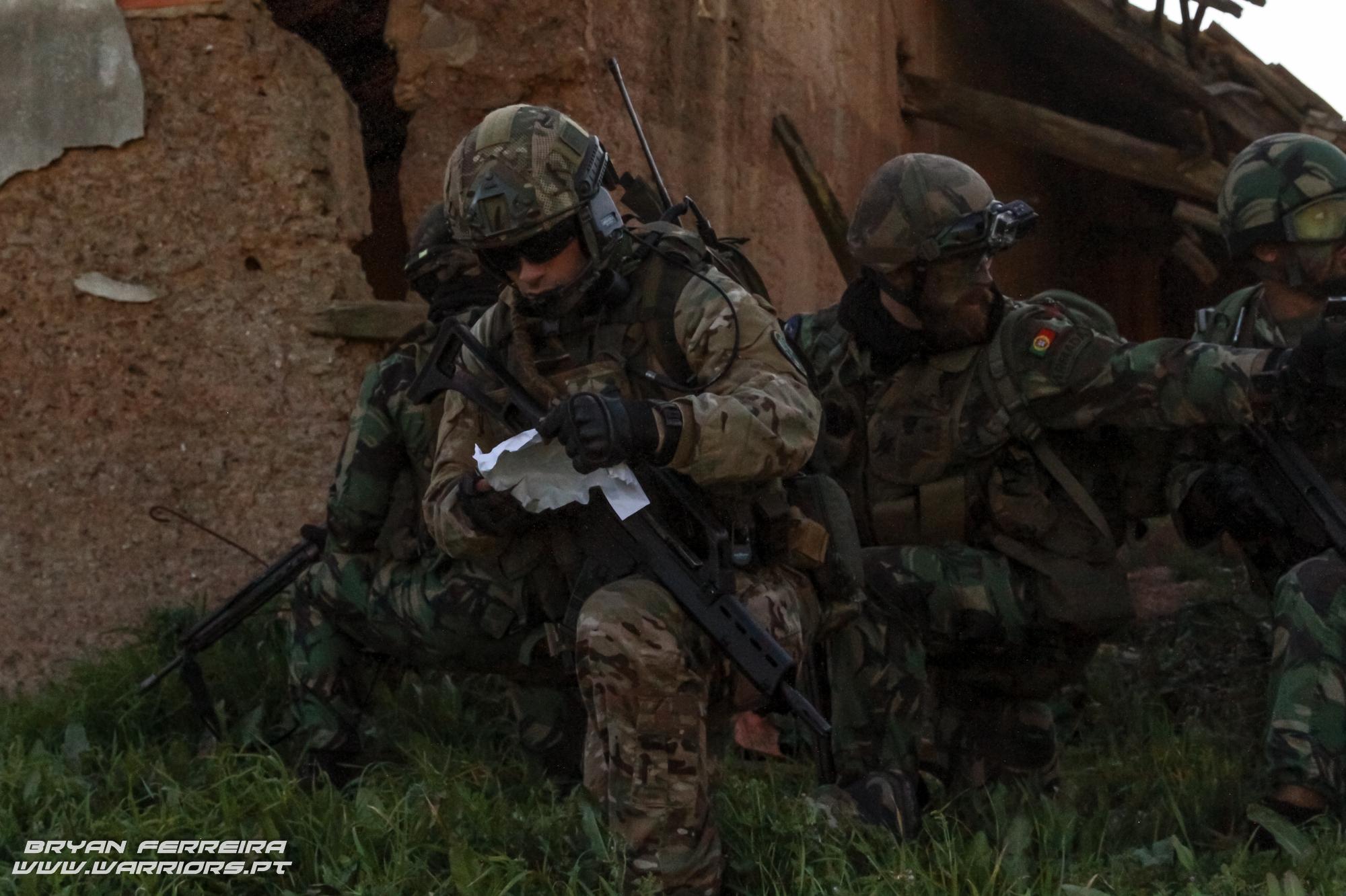 FAC/JTAC da Força Aéra Portuguesa direciona CAS de dois F16 Portugueses a uma ação directa sobre um objectivo integrado na Força de Fuzileiros nº2