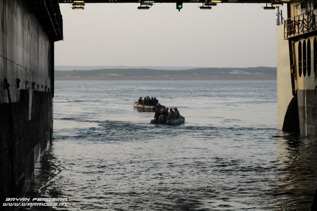 A doca inundavel do BAA Galicia com a UMD dos Fuzileiros Portugueses