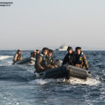 A UMD usa botes de borracha para desembarcar elementos da Infantaria de Marinha Espanhola