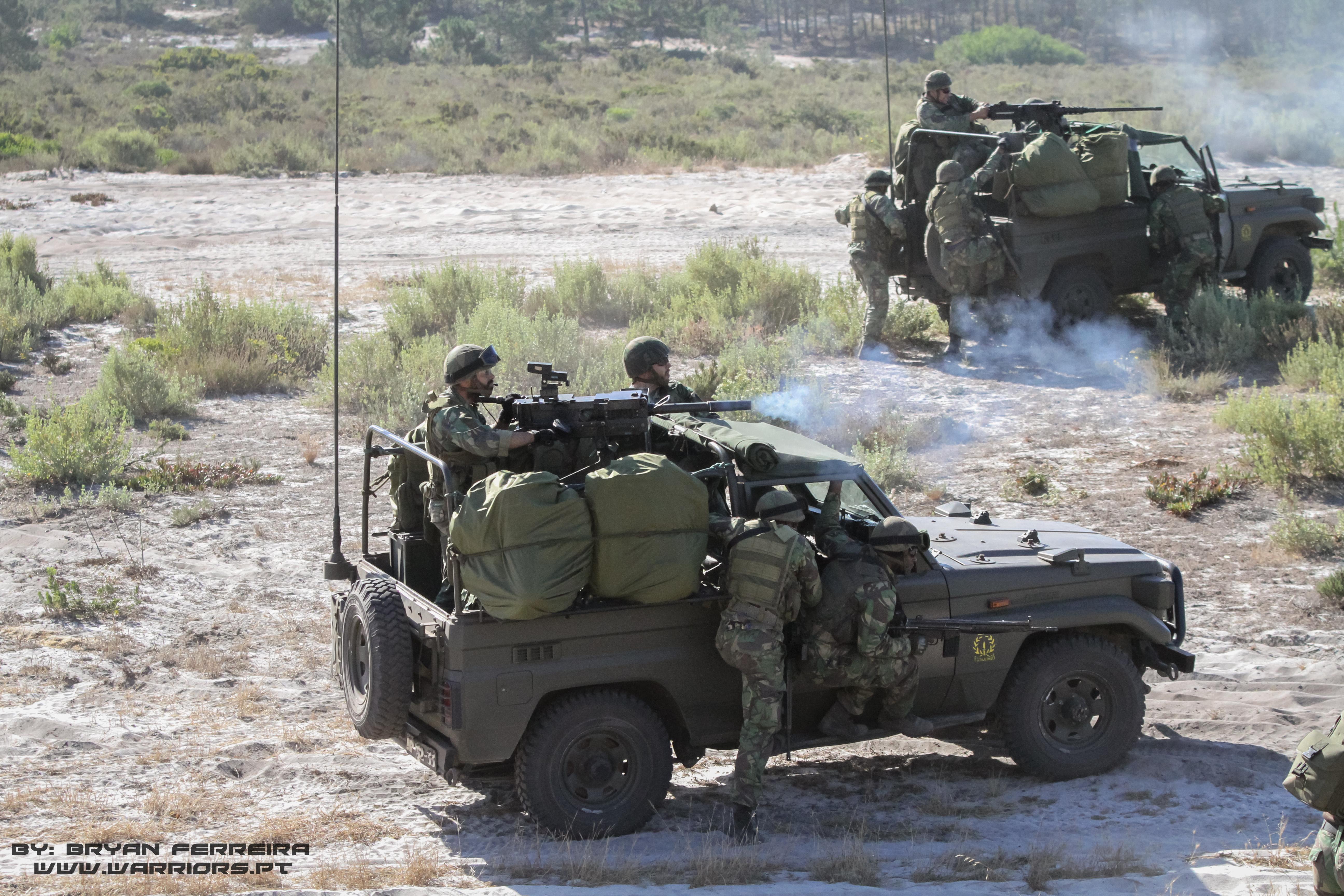 Pelotão Anti-Carro dispara Lança Granadas Automático (HK GMG) de 40mm e Browning .50Cal.