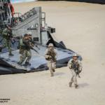 Fuzileiros Portugueses e US MArines desembarcam de um LCAC da US Navy