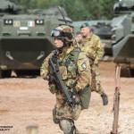 Soldado Italiano do Reggimento Lagunari Serenissima. Está armado com a espingarda de assalto Beretta ARX160