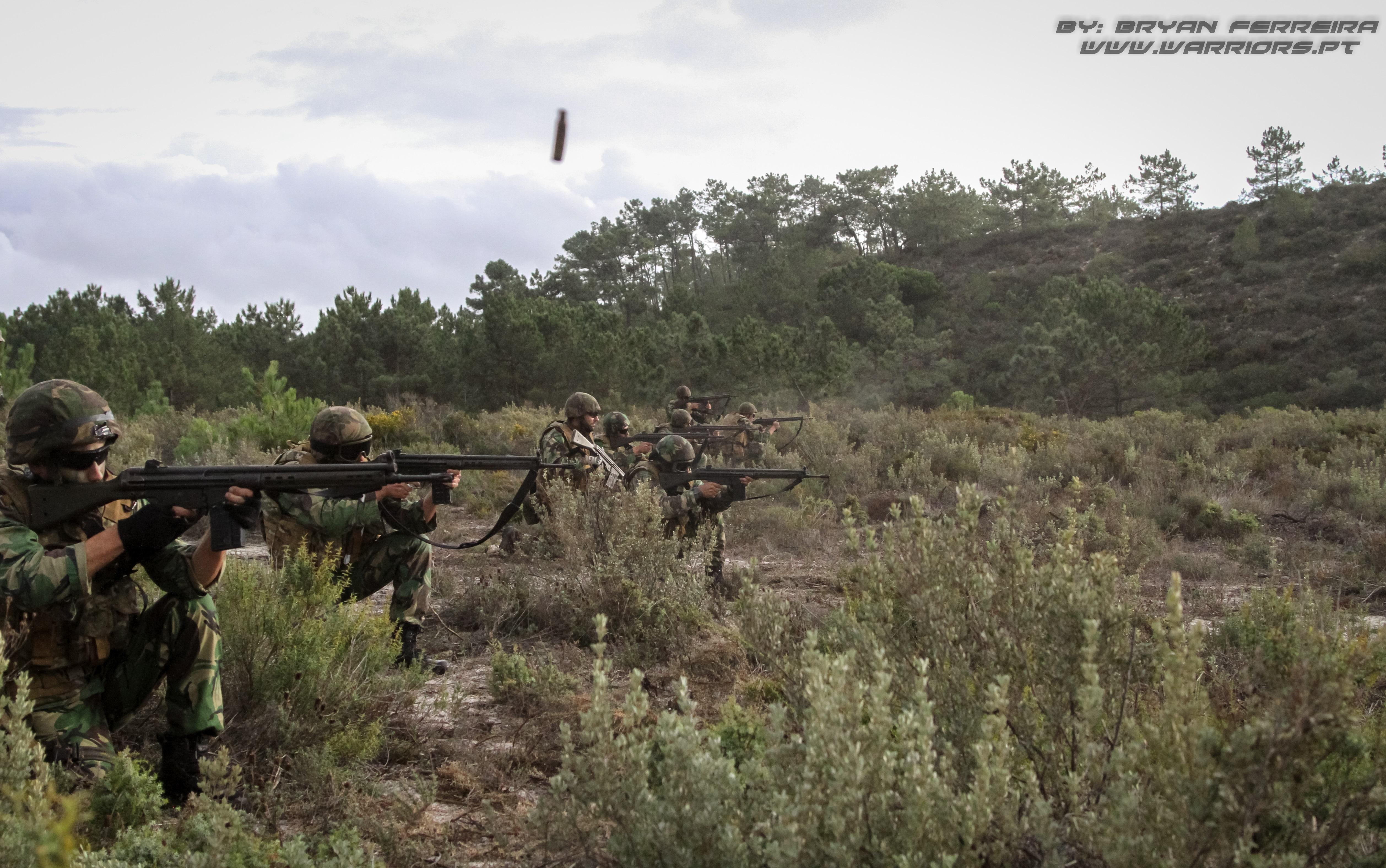 Fuzileiros Portugueses fazem fogo sobre os seus alvos
