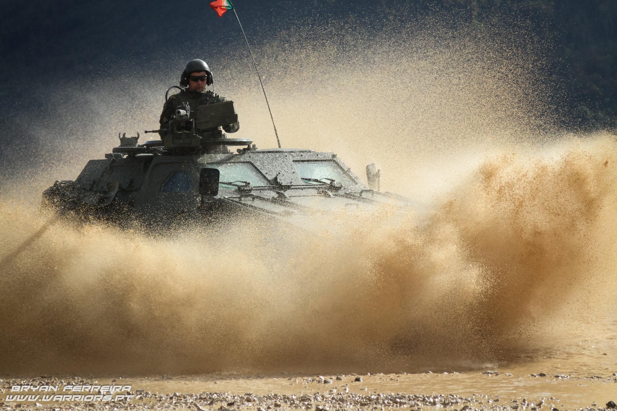 Uma M11 Panhard atribuida ao 2º Batalhão de Paraquedistas em missão da EUFOR/KFOR na Bosnia Herzegovina