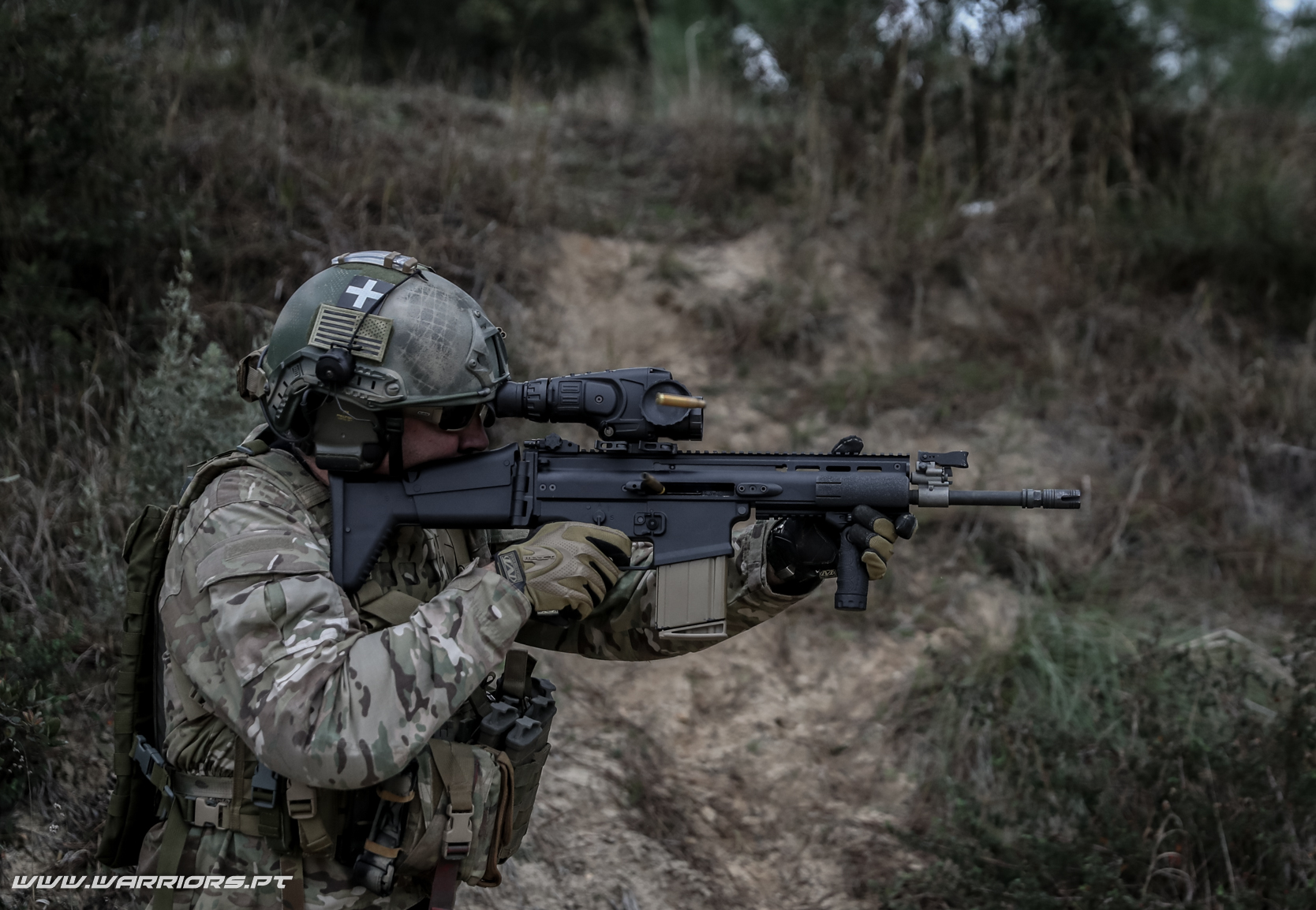 Substituição da G3 - Rangers Special Forces FN SCAR-H 7,62x51mm